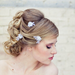 White Daisy Lace Bobby Pin Set in White wedding hair pins flower hair pin set
