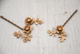 gold brass flower hair bins bridal bobby pin set