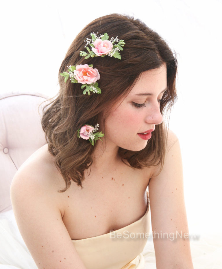Bridal flower hairpins with baby's breath 2