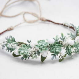 Green Succulent Flower Crown with Babies Breath and white Flowers, wedding headpiece for brides and bridesmaid hair, greenery wreath with ties