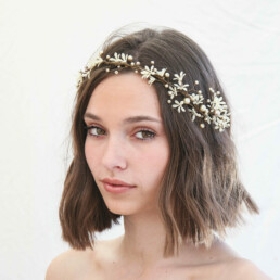 Daisy Flower Hair Vine of Ivory Flowers and Champagne Pearls,hand wired bridal headpiece flower crown of small ivory flowers babies breath, boho wedding headpiece