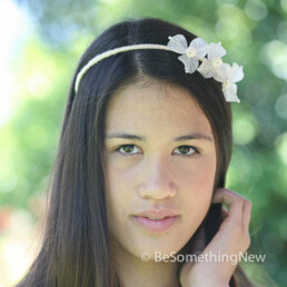 Vintage flower headband With Peals in ivory made with vintage lucite flower peatals and pearls,