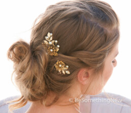 gold wedding hair pin set of metal leaves and flowers with pearls