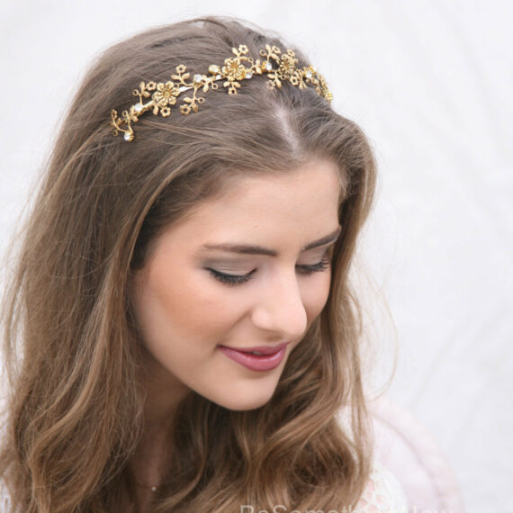 Golden Flower and Rhinestone Metal Headband. hair accessory for weddings, vintage metal flowers and rhinestonbes beaed headband for women