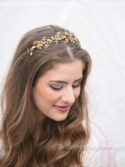Golden Flower and Rhinestone Metal Headband. hair accessory for weddings, vintage metal flowers and rhinestonbes beaed headband for women