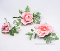 Bridal flower hairpins with baby's breath 4