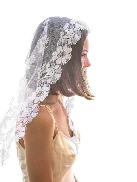 vintage veil, mantilla veil, all lace veil