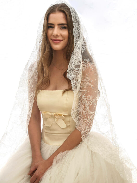 vintage all lace veil circle mantilla veil made in spain vintage bride
